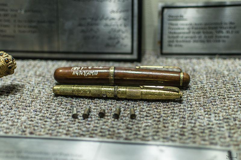 expertly crafted hidden pen gun