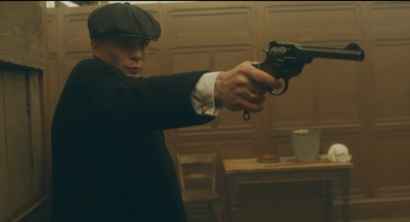 Thomas Shelby (Cillian Murphy) using his Webley .455 Mk VI in Peaky Blinders